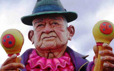 Años Viejos, Viudas y Testamentos en el Carnaval Multicolor de la Frontera
